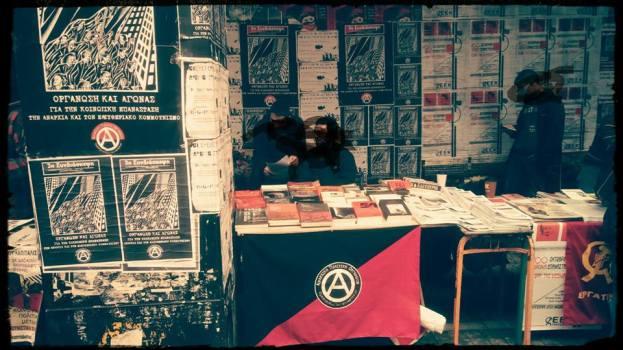 Πολιτική παρέμβαση στο 3ήμερο του Πολυτεχνείου στο Παράρτημα με έντυπο αναρχικό υλικό και κινηματικό βιβλιοπωλείο